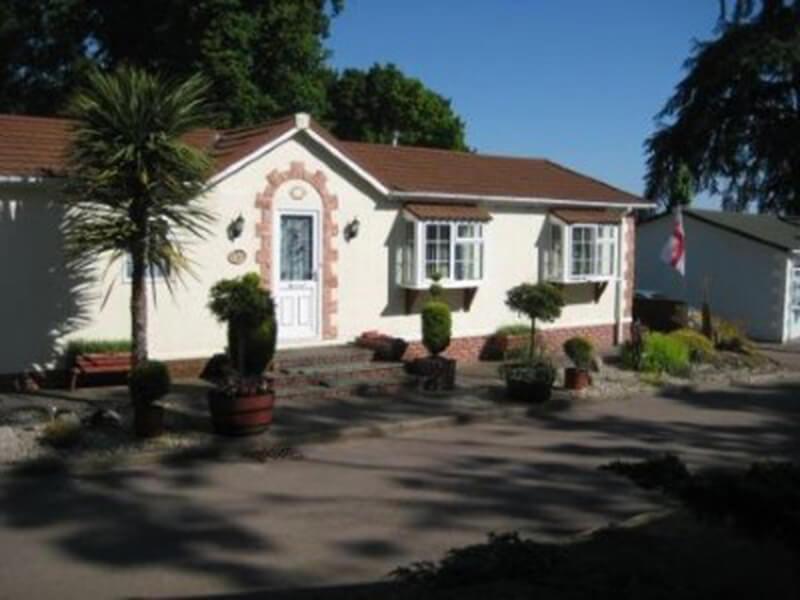 Stately Carolina Lodge